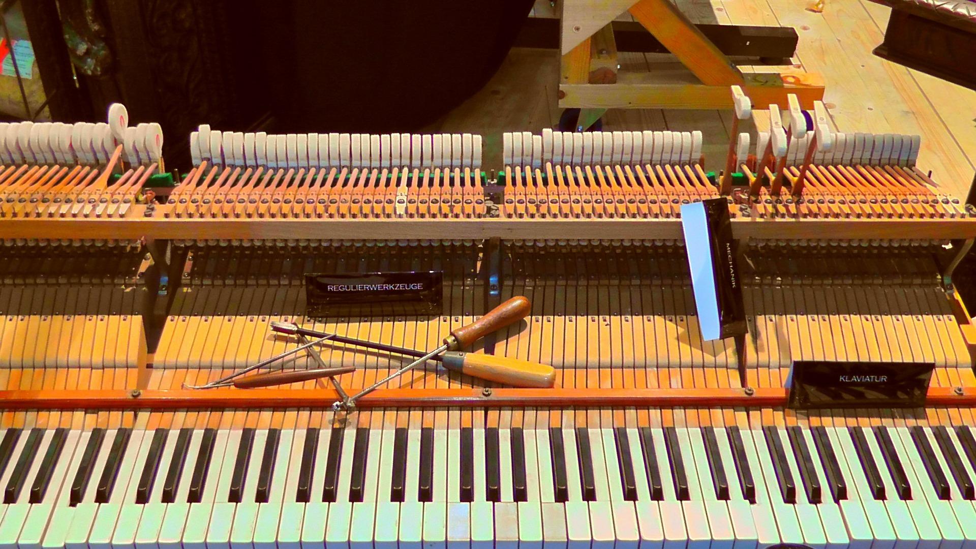 piano-108435_1920